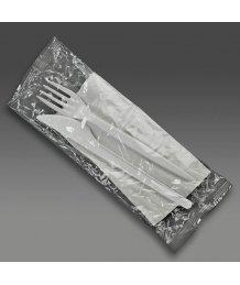Csomagolt mûanyag evõeszköz szalvétával